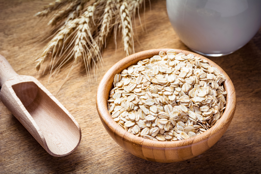 Healthy eating: oats and milk